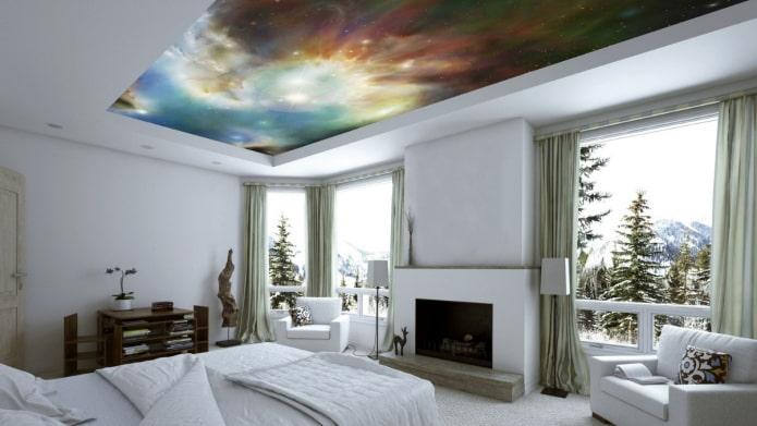papier peint au plafond avec l'image de l'espace