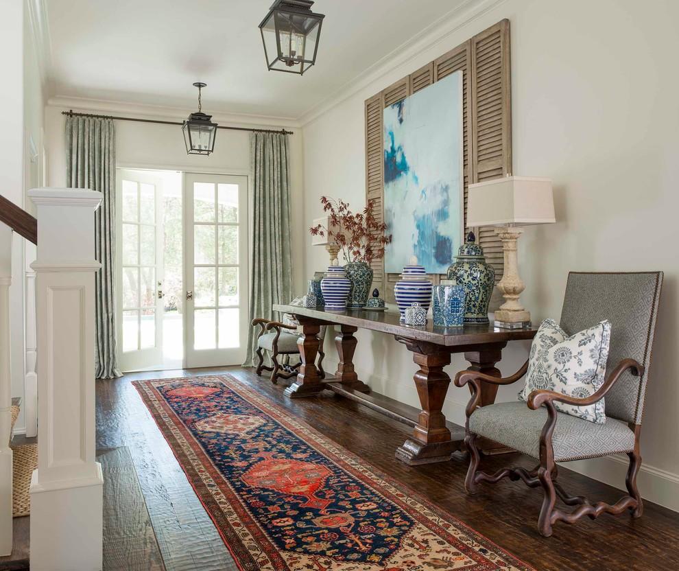 Les meubles en bois naturel s'intégreront parfaitement à l'intérieur dans le style provençal