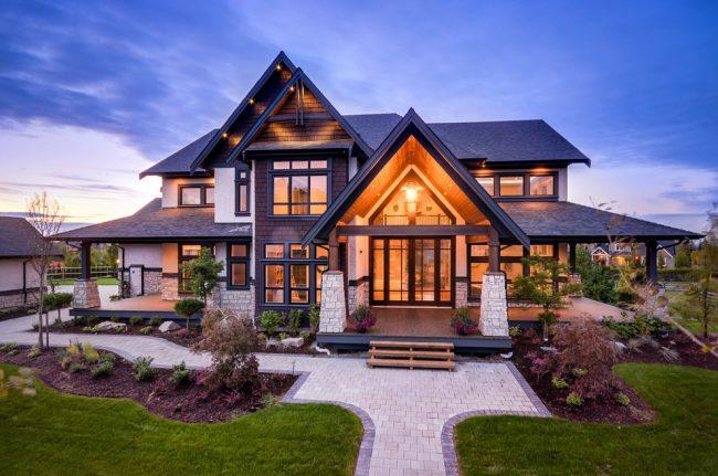 Maison de campagne luxueuse à deux étages
