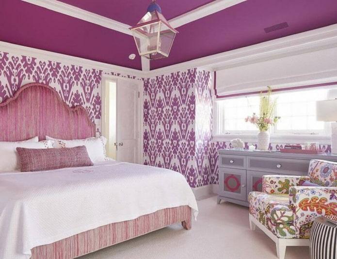 intérieur de chambre rose et lilas