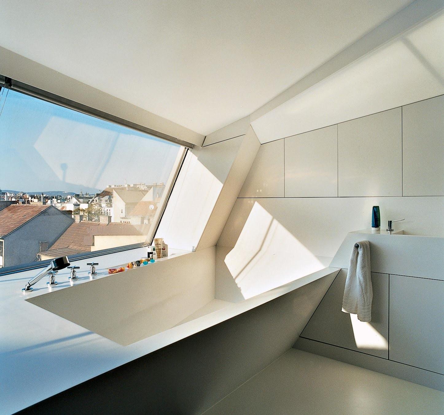 Avec son minimalisme évident, la haute technologie crée un intérieur luxueux