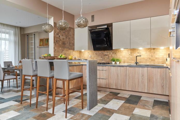 carreaux multicolores à l'intérieur de la cuisine