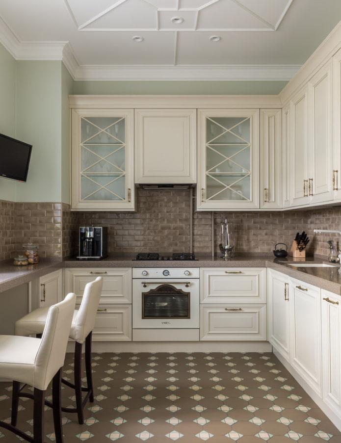 carreaux de sol en forme de losange à l'intérieur de la cuisine