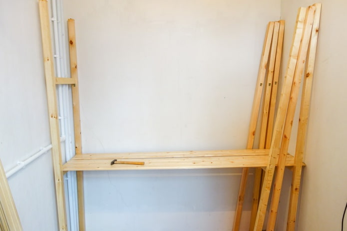 Installation d'étagères