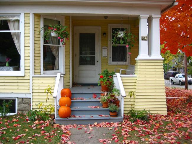 La palette de couleurs des escaliers peut se démarquer de la gamme principale de la structure.