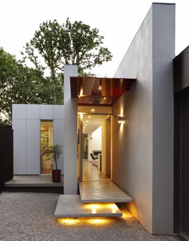Étapes créatives dans un bâtiment moderne