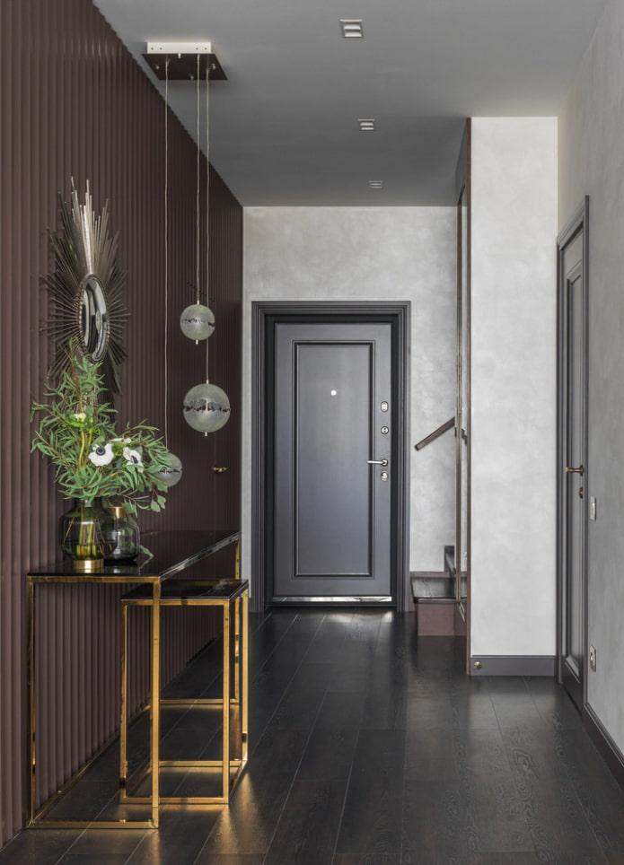 portes et sol de la même couleur à l'intérieur