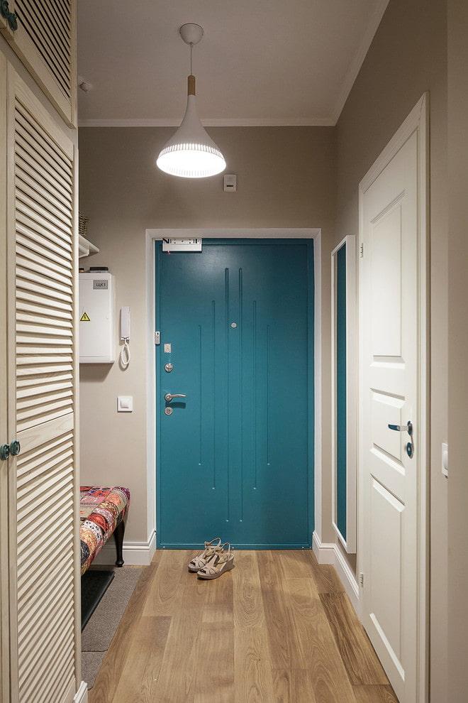 portes et sol de couleur opposée à l'intérieur