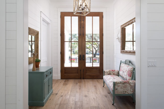 combinaison de couleurs de vantaux de porte avec revêtement de sol à l'intérieur