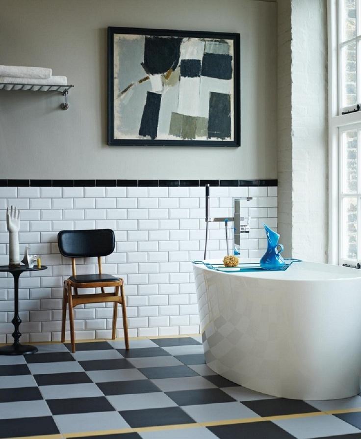Photo 9 - Salle de bain en noir et blanc de style moderne