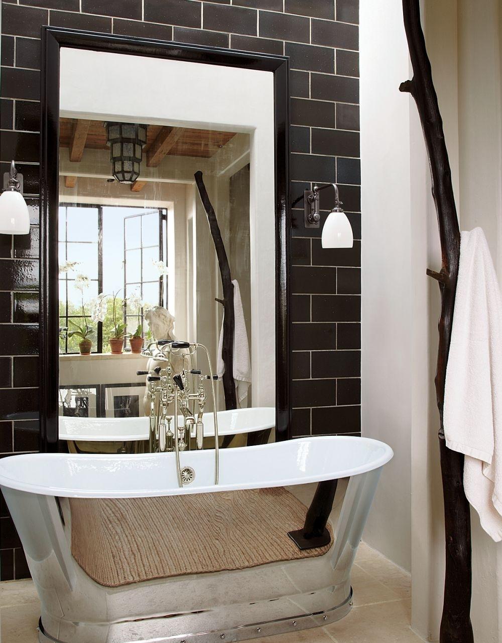 Photo 7 - Salle de bain high-tech noir et blanc