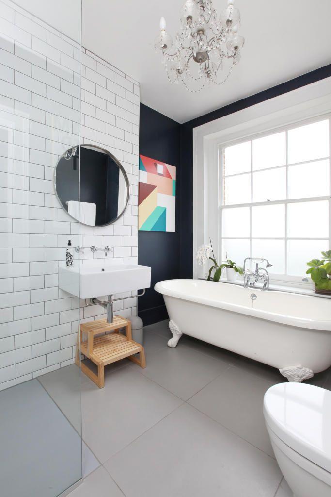 Photo 4 - Salle de bain noir et blanc de style Art Nouveau