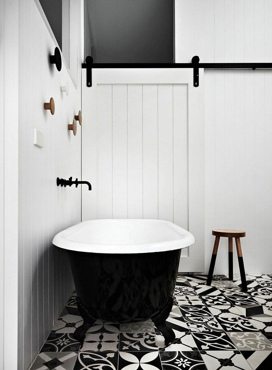 Photo 24 - Baignoire pratique - intérieur blanc, extérieur noir