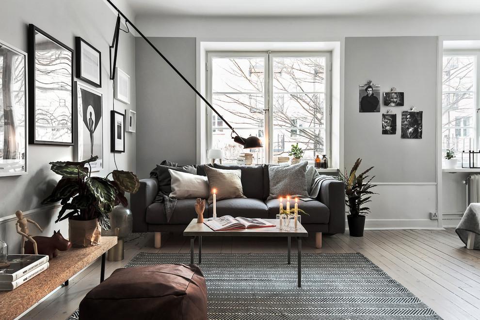 Style scandinave à l'intérieur d'un salon spacieux