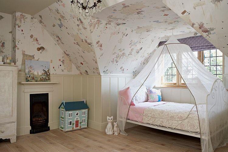 Auvent d'air au-dessus du lit de bébé - confortable et fonctionnel