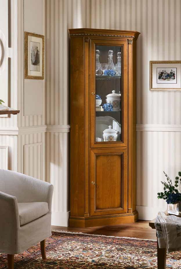 armoire d'angle à l'intérieur du hall