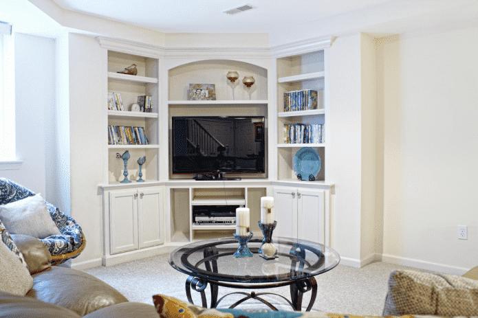meuble TV d'angle à l'intérieur du hall