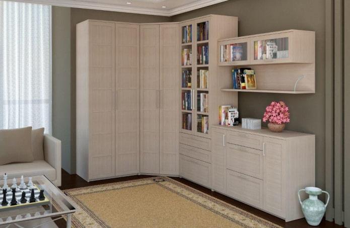 armoire d'angle beige dans le hall