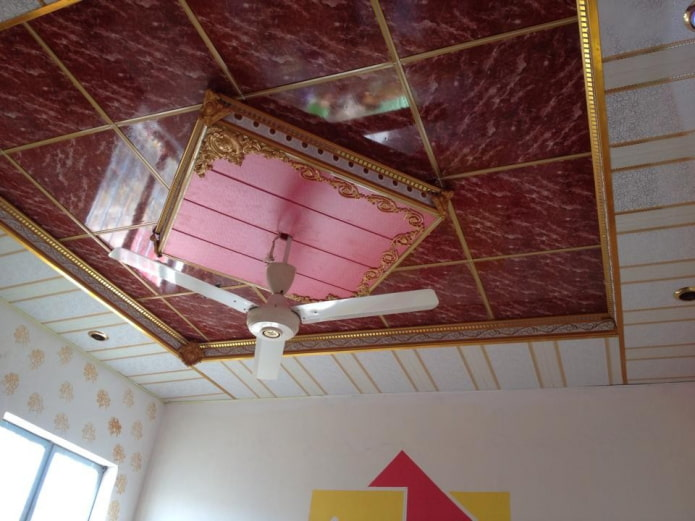 structure de plafond bouclé en panneaux