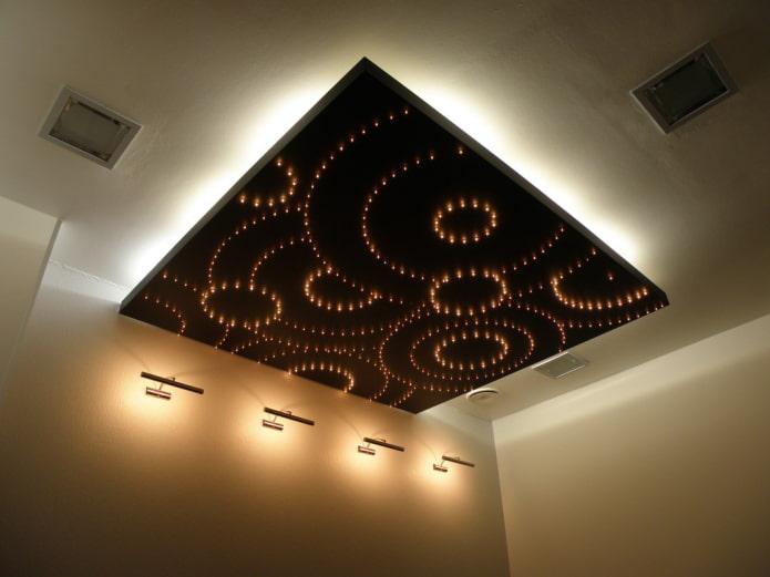 structure de plafond bouclée en forme de carré