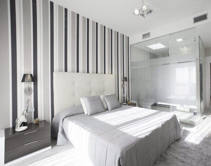 papier peint à rayures grises dans la chambre