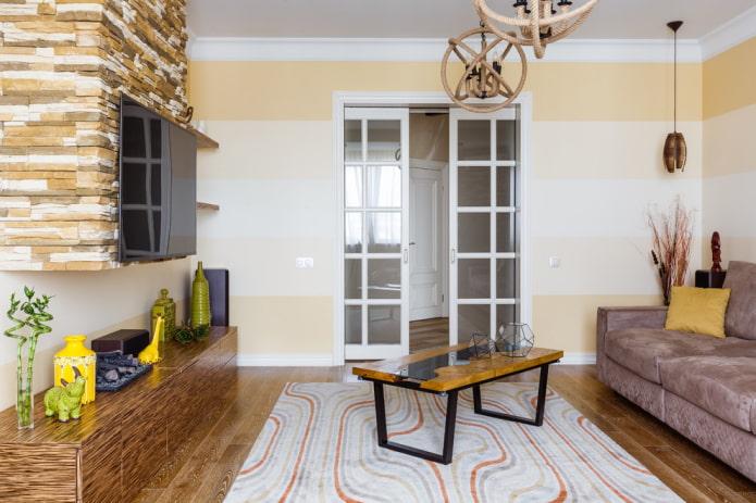 portes coulissantes à l'intérieur du salon