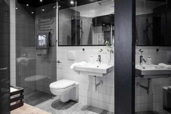 Carrelage blanc et plafond noir brillant