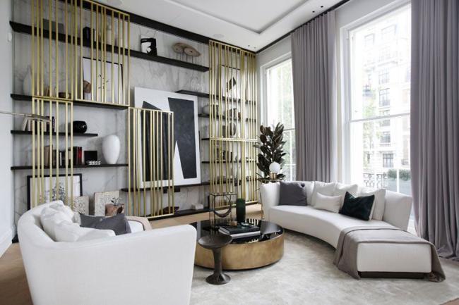Des tiges décoratives verticales rehausseront visuellement la ligne de plafond