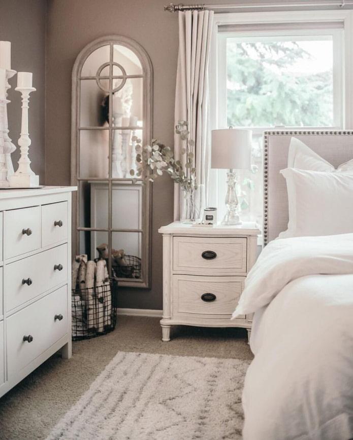 meuble blanc avec poignées noires