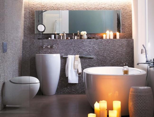 Une petite baignoire sur mesure est également tout à fait adaptée à un environnement relaxant.