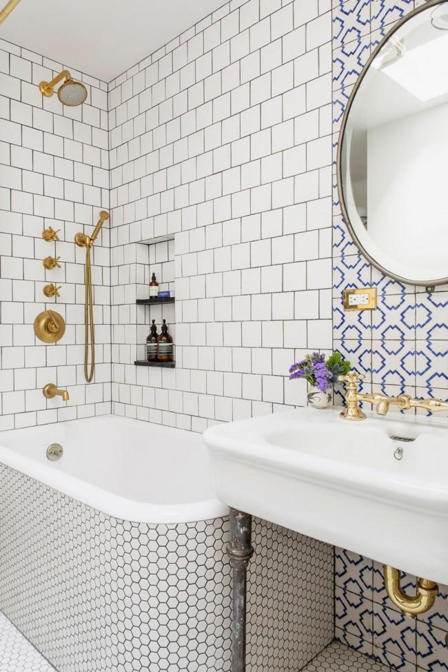 Salle de bain lumineuse classique avec plusieurs options pour les carreaux fins