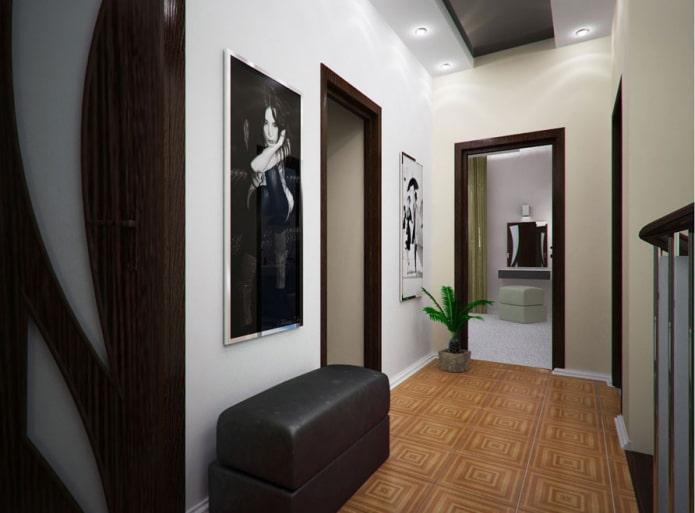 peintures verticales à l'intérieur du couloir