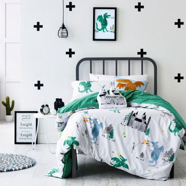 Le vert est une couleur apaisante, donc en quantité raisonnable et dans des tons apaisants, il est parfait pour une chambre d'enfant.