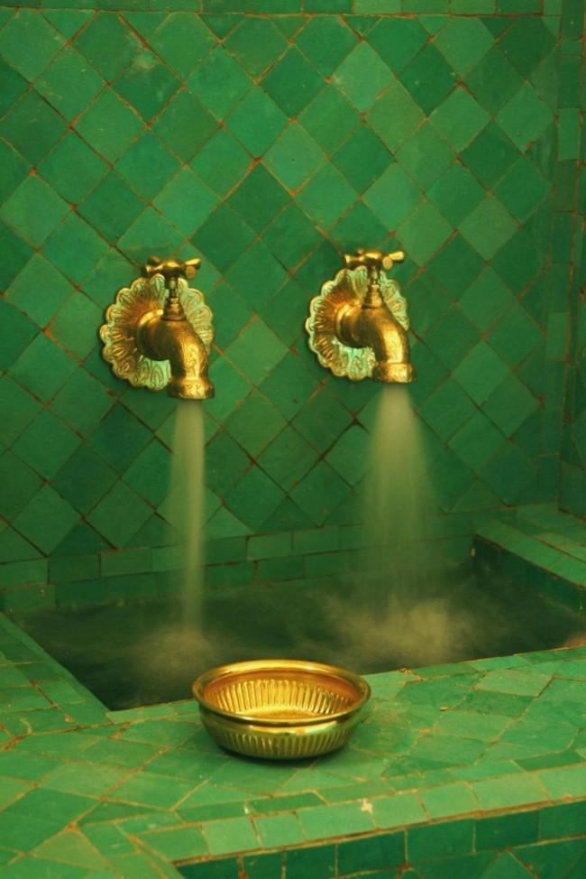 Cette combinaison luxueuse crée l'atmosphère des appartements d'un sultan ou royaux