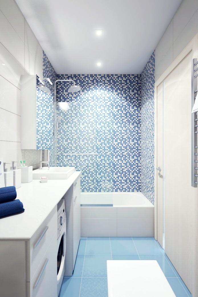 salle de bain dans la conception d'un appartement de deux pièces dans une maison à panneaux