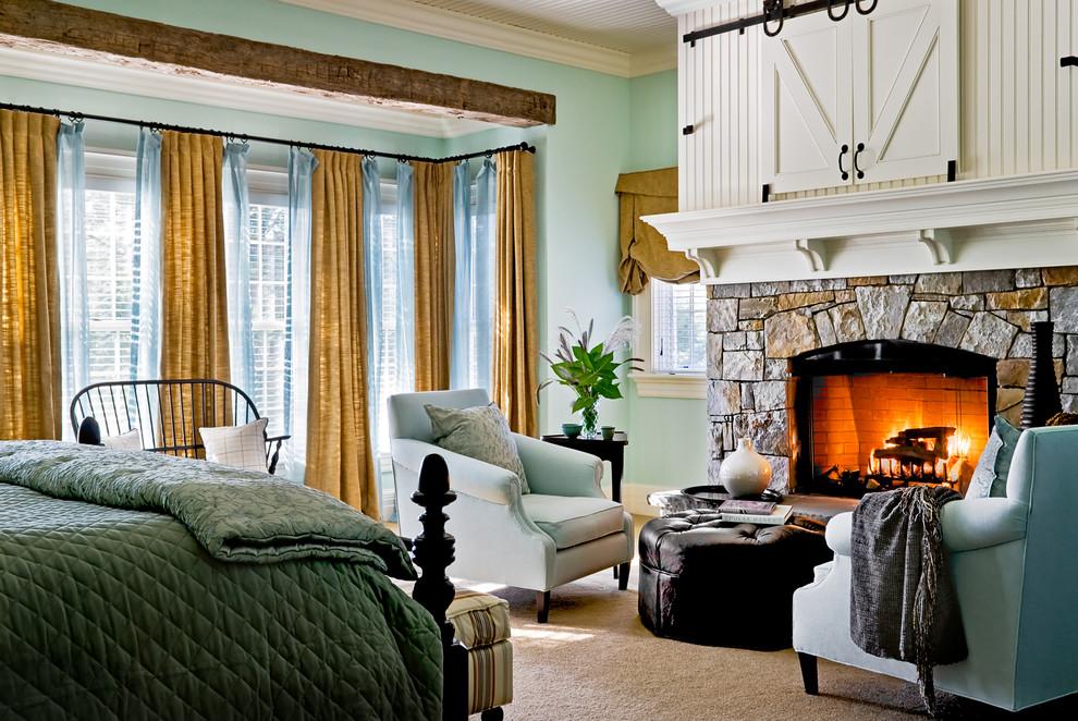 Salon confortable d'une maison privée au design champêtre
