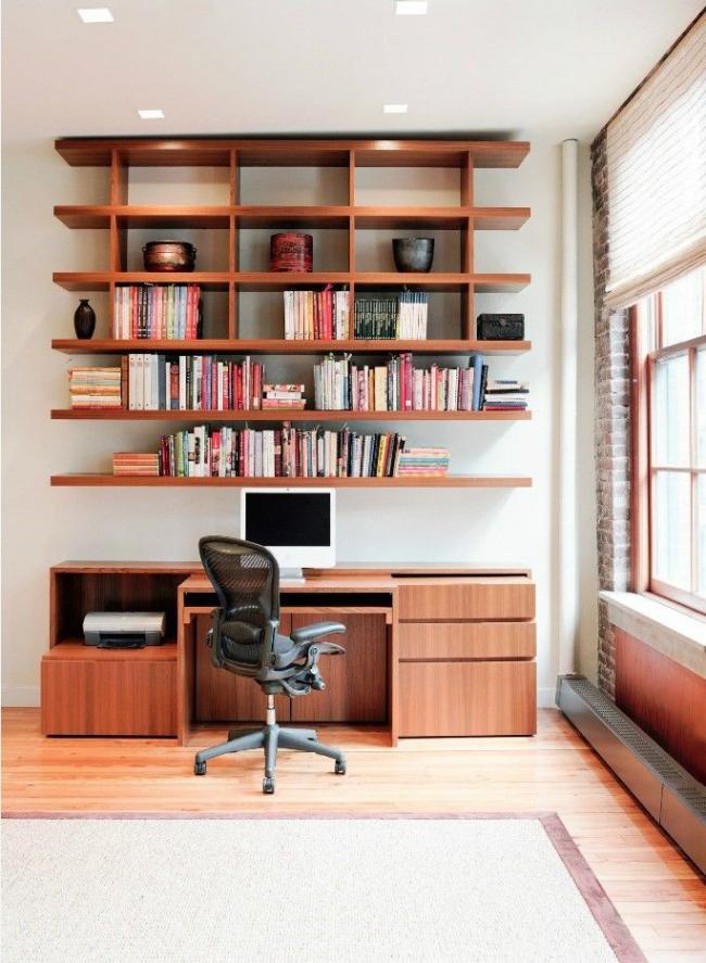 Décoration de la zone de travail avec des étagères et des armoires supplémentaires