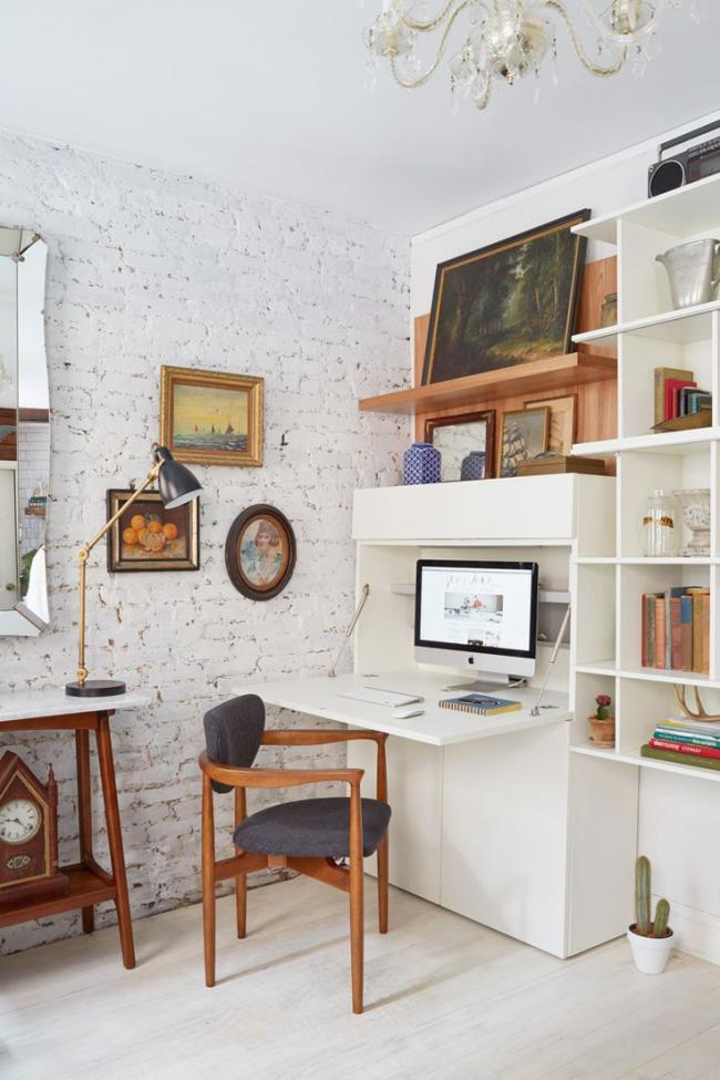 La solution originale est d'organiser un mini bureau dans le salon