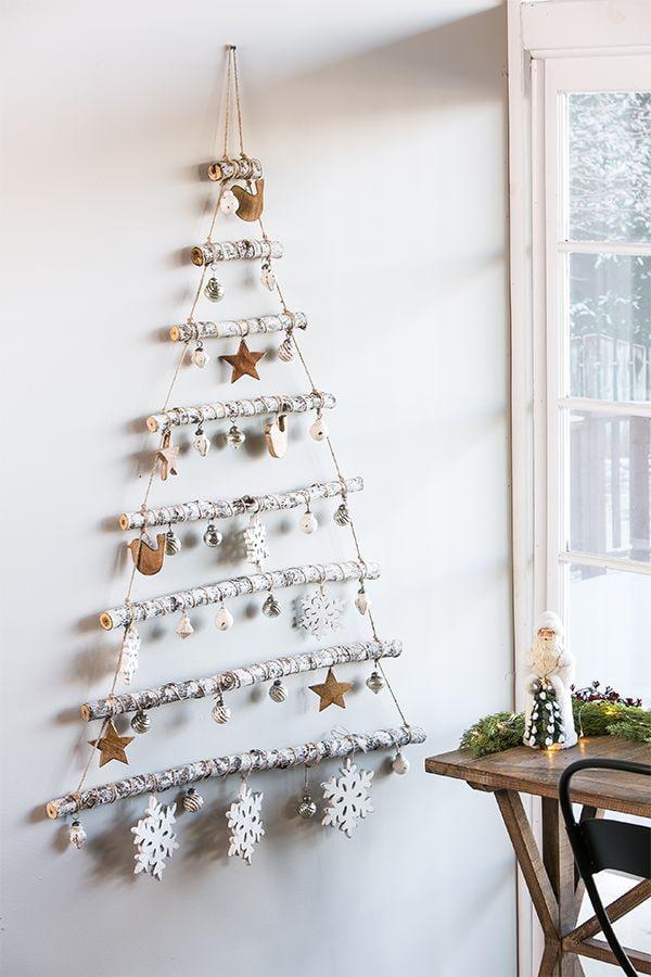 Arbre de Noël fait de bâtons