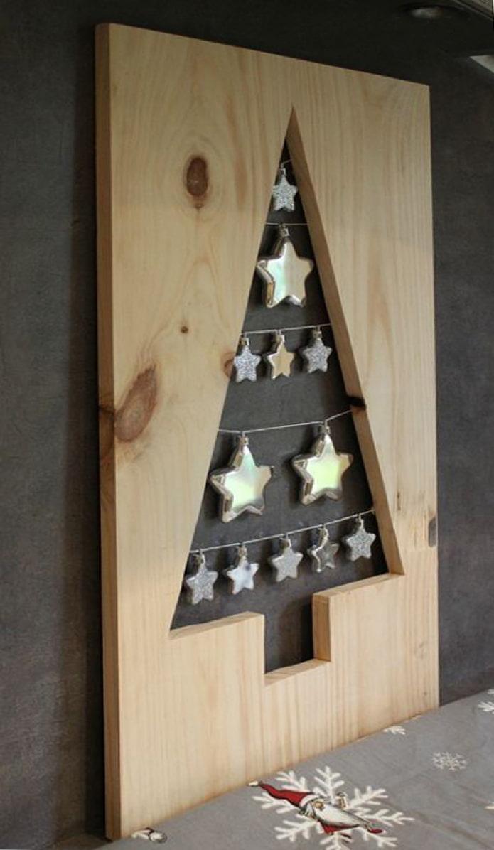 Sapin de Noël en planche de meuble
