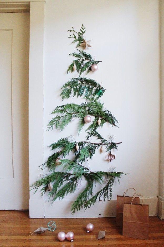 Sapin de Noël fait de branches
