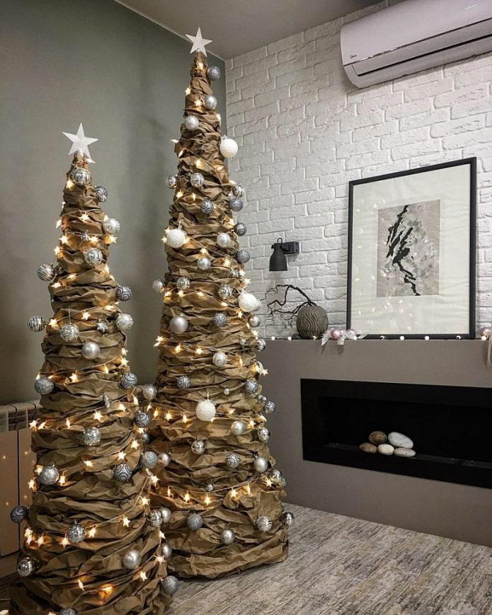 Arbres de Noël en papier kraft