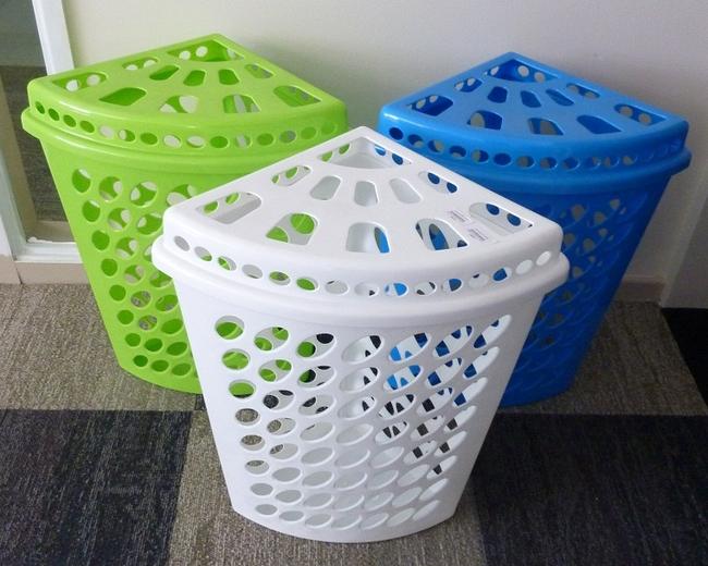 Le panier à linge en plastique le plus simple : option coin