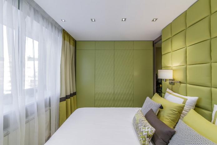 intérieur de la chambre aux tons olive