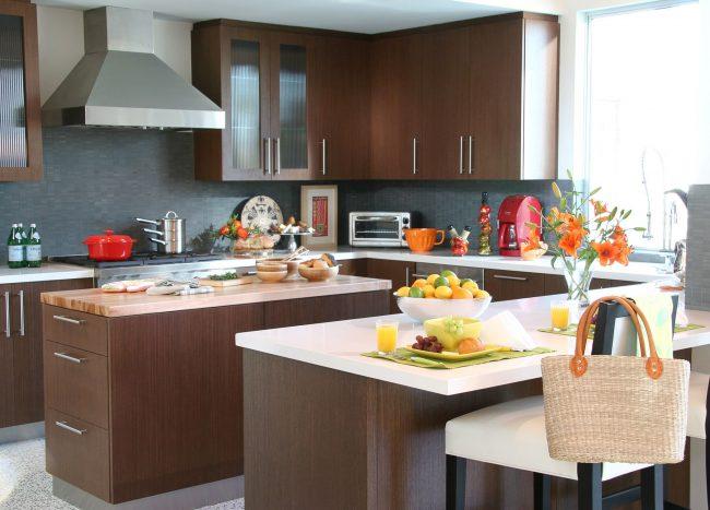 Une cuisine brune est une excellente solution pour n'importe quelle maison