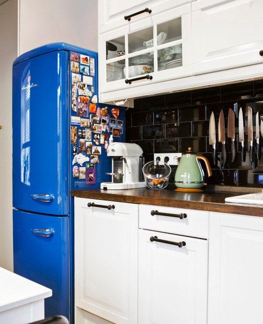 Réfrigérateur lumineux, casque Ikea