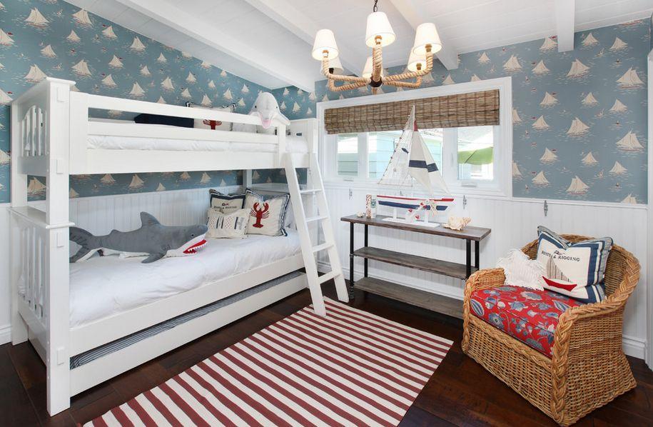Trois couchettes sur deux niveaux - pratiques et fonctionnelles