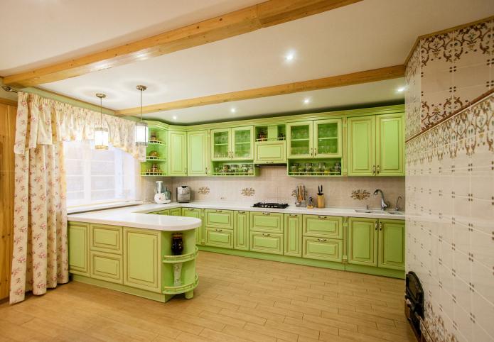poutres au plafond de la cuisine