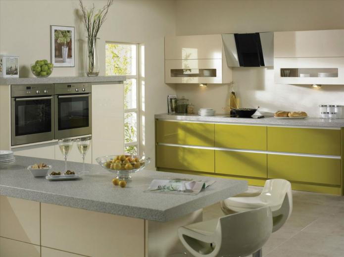 façades de cuisine brillantes en vert