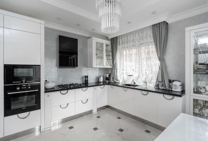 rideaux courts dans la cuisine